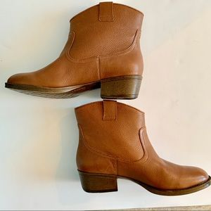 Women's Hot Step by Kenneth Cole Reaction Booties